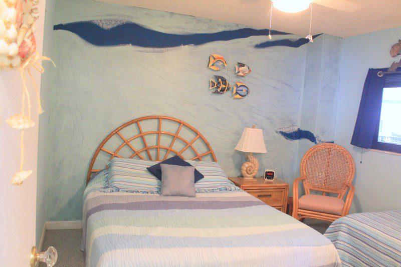 Guest Bedroom Full Bed (Custom)