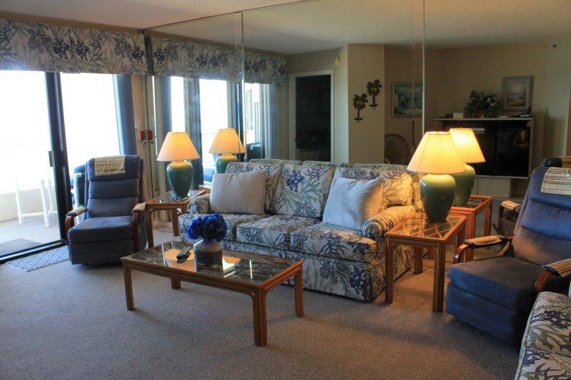 Living Room (Custom) (2)