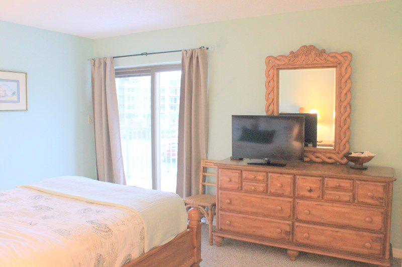 Second Bedroom TV (Custom)