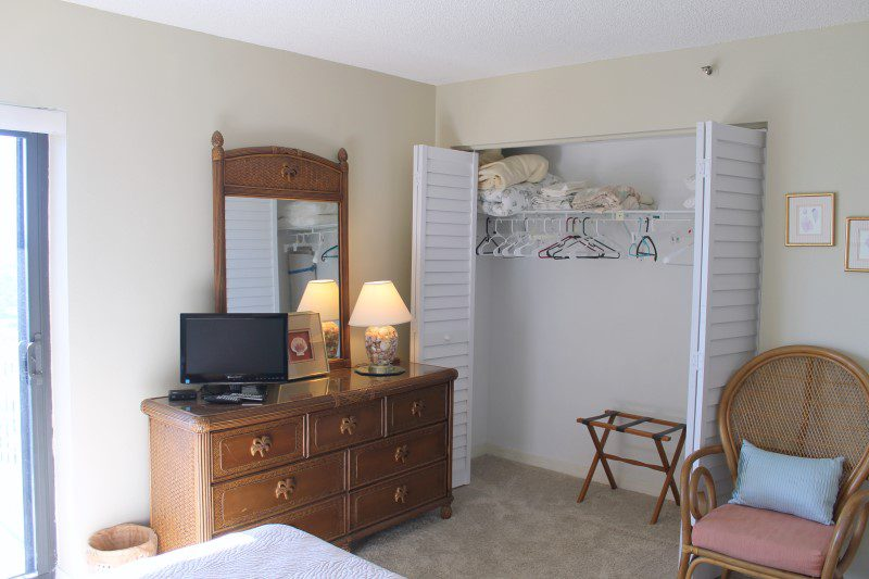 Second Bedroom With Closet (Custom)