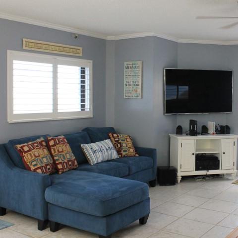 Living Room Find Unit
